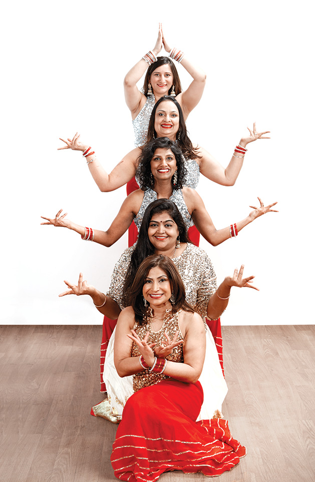 Cast members of the Mollywood Productions play Saree-ously Speaking pose.